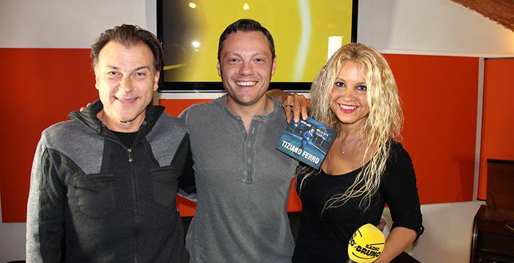 Radio Bruno incontra Tiziano Ferro Guarda le foto della diretta!
